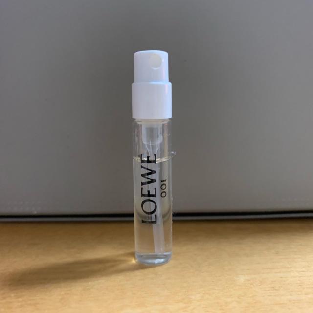 LOEWE(ロエベ)のLOEWE WOMAN 001 サンプル 2ml コスメ/美容の香水(香水(女性用))の商品写真