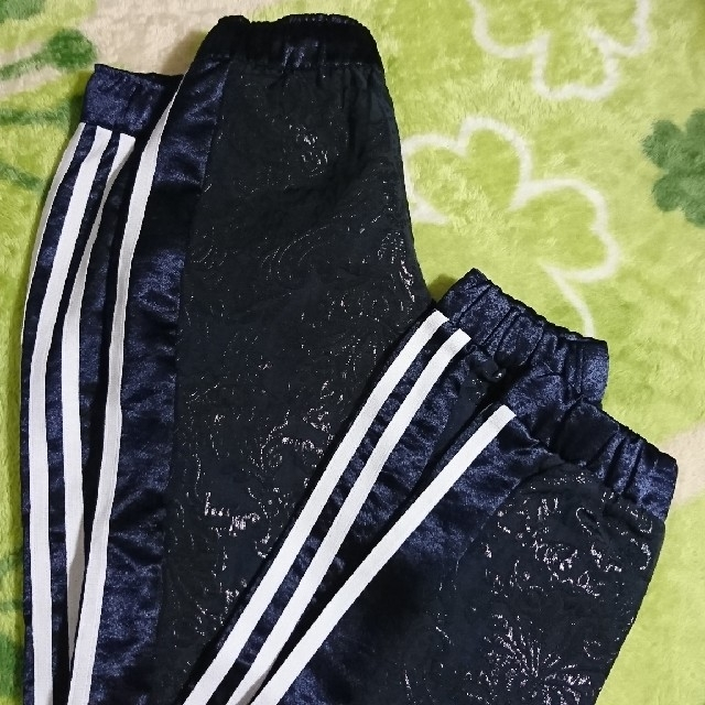 adidas(アディダス)のアディダス パンツ サイズM レディースのパンツ(スキニーパンツ)の商品写真
