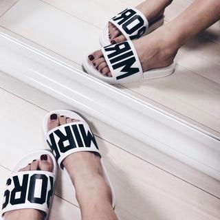 GYDA - [美品] MIRROR9 Pool Sandals / White