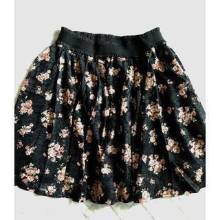 ハニーズ(HONEYS)のハニーズ GLACIER 花柄レースフレアースカート 黒系 M(ひざ丈スカート)
