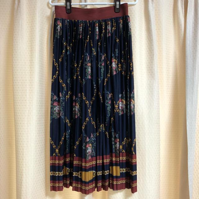ZARA(ザラ)のスカーフ柄プリーツスカート レディースのスカート(ひざ丈スカート)の商品写真