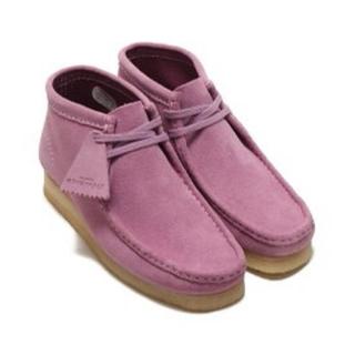 クラークス(Clarks)の新品未使用 クラークス ワラビー レア ピンク パープル(ブーツ)
