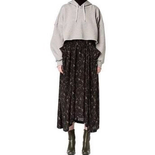 ステュディオス(STUDIOUS)のCLANE フラワーシフォンマキシスカート 黒(ロングスカート)