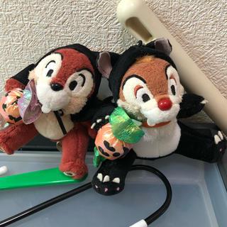 チップアンドデール(チップ&デール)の2005年限定 ハロウィン黒猫チップとデールぬいぐるみバッチ(キャラクターグッズ)