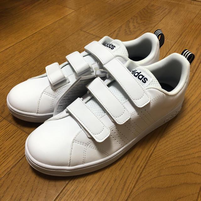 adidas(アディダス)のadidas(ホワイト/ネイビー)【Ladys/23.5/新品】 レディースの靴/シューズ(スニーカー)の商品写真