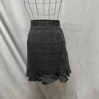 ティティアンドコー(titty&co)のtitty&Co. ヘムフレアチェックスカート  (ミニスカート)