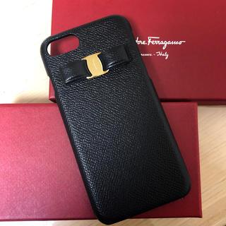 サルヴァトーレフェラガモ(Salvatore Ferragamo)のフェラガモ ヴァラ リボン iPhone7/8 ケース(iPhoneケース)