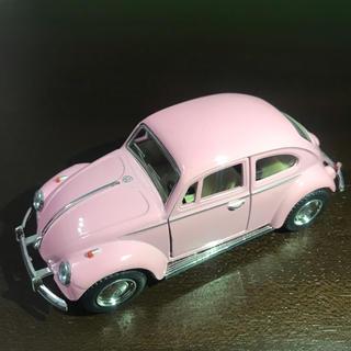 フォルクスワーゲン(Volkswagen)の【美品】ワーゲン  ミニカー レトロ パステルピンク(ミニカー)