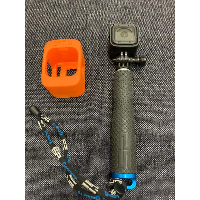 GoPro(ゴープロ)のGopro Session 中古 SP GADGET POLE&純正フロート付き スマホ/家電/カメラのカメラ(ビデオカメラ)の商品写真