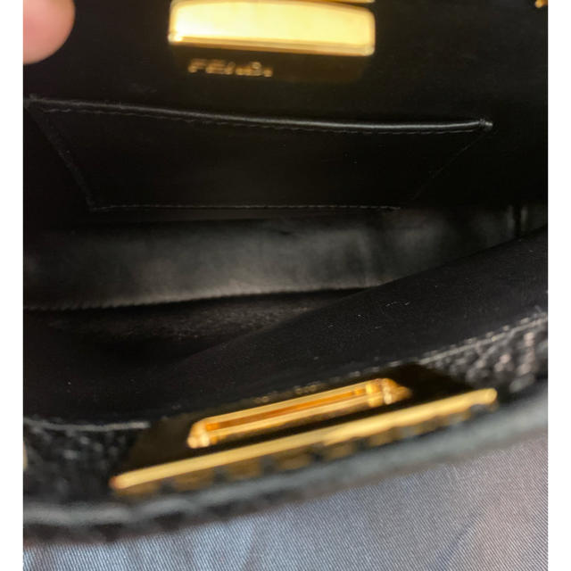 FENDI(フェンディ)のピーカブー ミニ フェンディ パイソン ブラック 黒 美品 レディースのバッグ(ハンドバッグ)の商品写真
