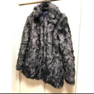 エイチアンドエム(H&M)の新品H&Mファーコートジャケット(毛皮/ファーコート)