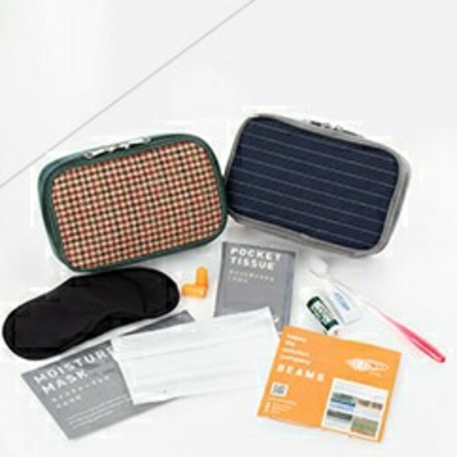 BEAMS(ビームス)の【セール】BEAMS x JALコラボレーションアメニティポーチ インテリア/住まい/日用品の日用品/生活雑貨/旅行(旅行用品)の商品写真