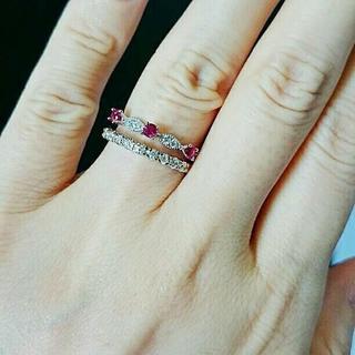 SALE 鑑別済み 合成ルビーとジルコニアの愛のリング(リング(指輪))