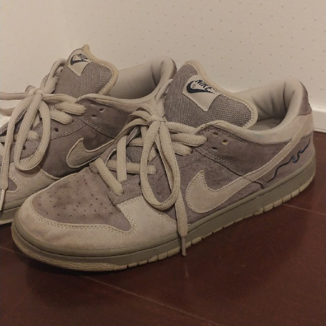 NIKE(ナイキ)のNIKE DUNK SB ロンドン  メンズの靴/シューズ(スニーカー)の商品写真