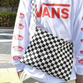 ヴァンズ(VANS)の【新品 未使用】VANS チェッカー フラッグ 黒 サコッシュ ショルダーバッグ(ショルダーバッグ)