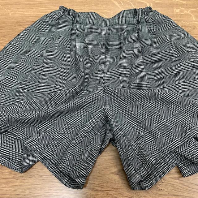 GU(ジーユー)のGU チェック柄 パンツスカート  140 キッズ/ベビー/マタニティのキッズ服女の子用(90cm~)(パンツ/スパッツ)の商品写真