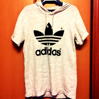 アディダス(adidas)のadidas パーカーTシャツ(Tシャツ(長袖/七分))