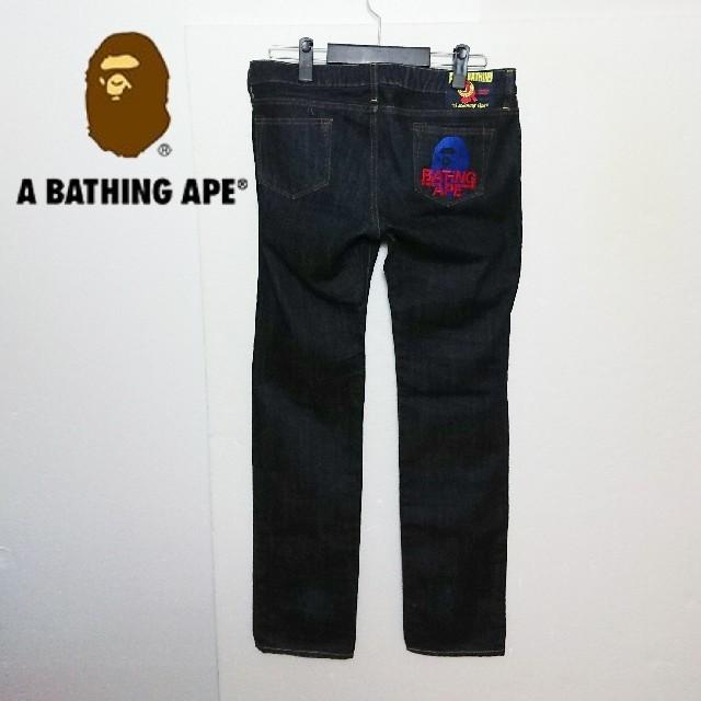 A BATHING APE(アベイシングエイプ)のA BATHING APE アベイシングエイプ ロゴ刺繍デニムパンツ メンズのパンツ(デニム/ジーンズ)の商品写真