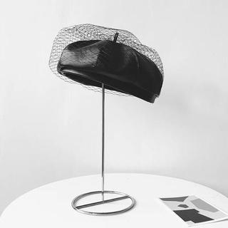 ザラ(ZARA)の★フェイクレザーチュール付きベレー帽★ (ハンチング/ベレー帽)