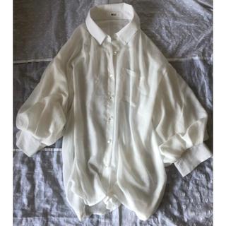 ウィゴー(WEGO)の袖コンシャス 白シャツ(シャツ/ブラウス(長袖/七分))