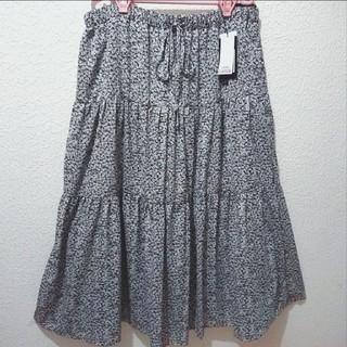 アベイル(Avail)の新品 Avail 小花柄 シフォン ティアード ロング スカート♥4L GU(ロングスカート)