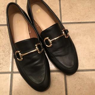 エイチアンドエム(H&M)のパンプス ブラック(ローファー/革靴)