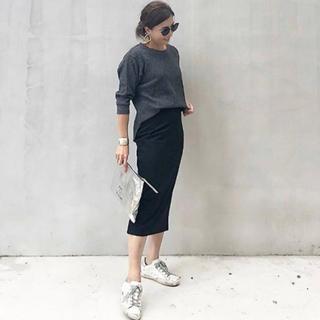 ユニクロ(UNIQLO)のUNIQLO:タイトスカート:ブラック(ロングスカート)