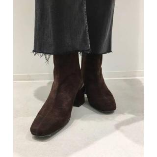 アパルトモンドゥーズィエムクラス(L'Appartement DEUXIEME CLASSE)の【FLATTERED/フラッタード】Suede Short Boots(ブーツ)