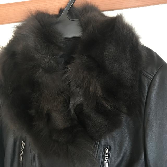 Andy(アンディ)の期間限定値下げ!Andy ラム革ファー付きライダースジャケット☆ レディースのジャケット/アウター(ライダースジャケット)の商品写真