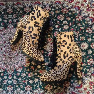 ジーヴィジーヴィ(G.V.G.V.)のg.v.g.v レオパード柄猫脚 ブーツ(ブーツ)