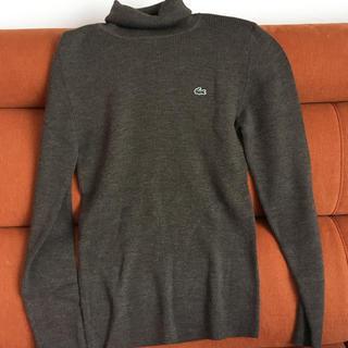 LACOSTE - ラコステ 女性用セーター 茶色 タートルネック