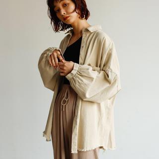 切りっぱなしシャツ ベージュ(シャツ/ブラウス(長袖/七分))