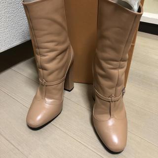 ヌメロヴェントゥーノ(N°21)のヌメロ ピンクベージュ ブーツ 値下げ 特価(ブーツ)