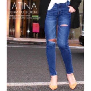 アナップラティーナ(ANAP Latina)のanap LATINA ニーカット ダメージ デニム スキニーパンツ(デニム/ジーンズ)