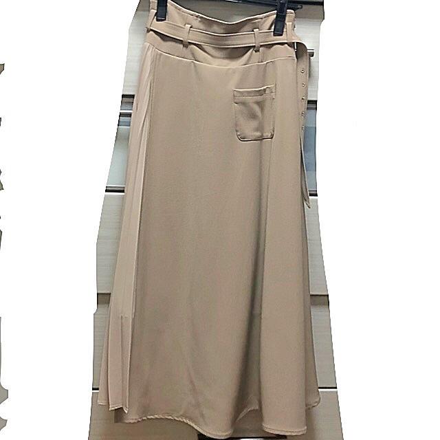Lily Brown(リリーブラウン)のLily blown アシンメトリープリーツスカート レディースのスカート(ロングスカート)の商品写真