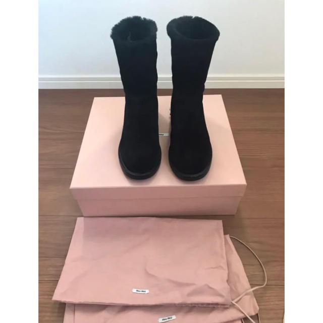 miumiu(ミュウミュウ)のmiumiu ビジュームートンブーツ レディースの靴/シューズ(ブーツ)の商品写真