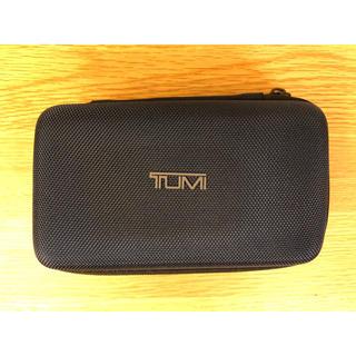 トゥミ(TUMI)のDELTA/TUMI アメニティポーチ(ネイビー)(旅行用品)