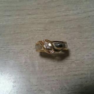 K18Pt900の2色指輪。小さなダイヤ1石。極小ダイヤ2石。(リング(指輪))