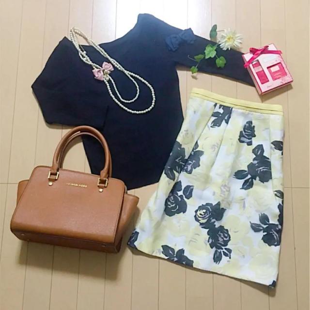 JUSGLITTY(ジャスグリッティー)のニットと花柄スカートセット♡ レディースのレディース その他(セット/コーデ)の商品写真