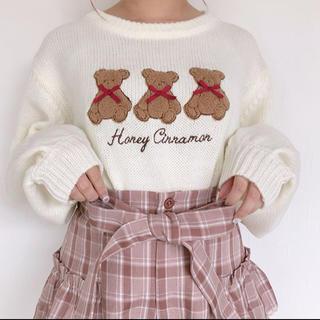 ハニーシナモン(Honey Cinnamon)の【最終値下げ】ハニーシナモン  クマ刺繍ニット(ニット/セーター)