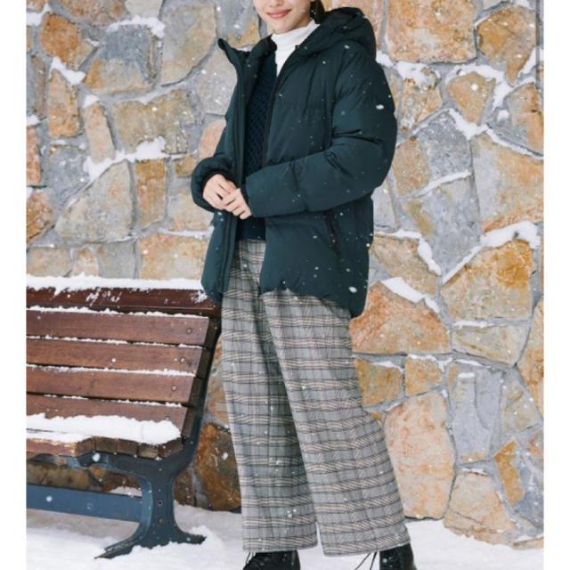 GU(ジーユー)のジーユー  GU 中綿ブルゾン  ダウンジャケット グリーン レディースのジャケット/アウター(ダウンジャケット)の商品写真