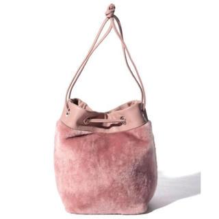 アナイ(ANAYI)の今季  アナイ    ムートンキンチャクBAG☆新品タグ付き(ハンドバッグ)
