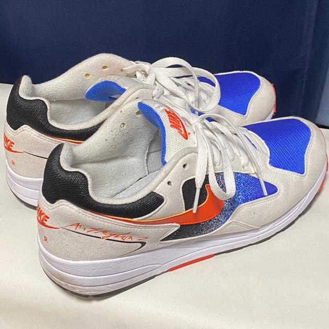 NIKE(ナイキ)のナイキ エアスカイロン2 ホワイト ブルー 27.5cm メンズの靴/シューズ(スニーカー)の商品写真