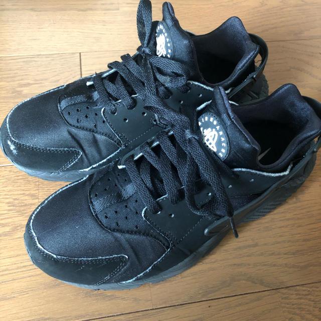 NIKE(ナイキ)のNIKE AIR HUARACHE(エアハラチ) 26cm ブラック 黒 メンズの靴/シューズ(スニーカー)の商品写真
