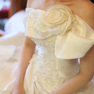 【パニエ付 ほぼ新品 42万円 → 49800円】胸元リボンのウェディングドレス(ウェディングドレス)