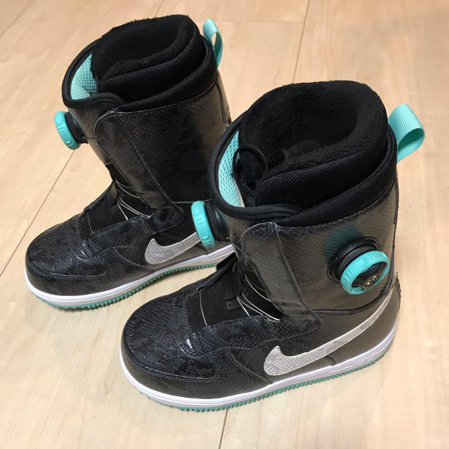 NIKE(ナイキ)のNike SB zoom force 1 boa ナイキ スポーツ/アウトドアのスノーボード(ブーツ)の商品写真
