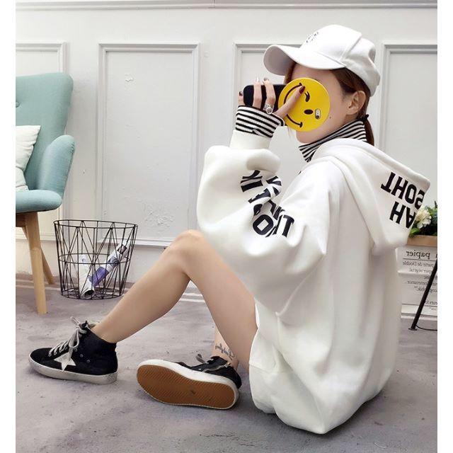 訳あり☆重ね着風 英字ロゴパーカー ホワイト M レディースのトップス(パーカー)の商品写真