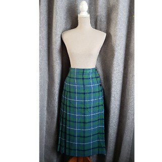 ヨークランド(Yorkland)の美品 GLEN NEVIS スコットランド製 ヨークランド 本格キルトスカート美(ひざ丈スカート)