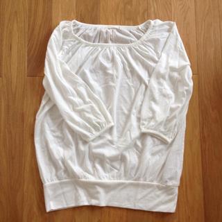 ジーユー(GU)のGU ギャザークルーネックT ホワイト(Tシャツ(長袖/七分))