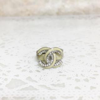 シャネル(CHANEL)の正規品 シャネル 指輪 ココマーク ラインストーン グリーン 銀 ラメ リング(リング(指輪))